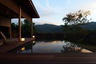 湯河原 宮上 半露天風呂新築別荘「碧翠」が商談中となりました。